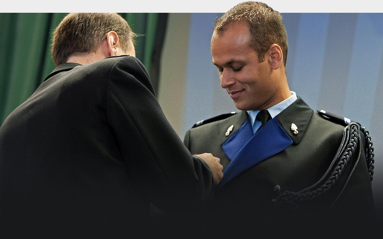 renaldo krijgt zilveren medaille